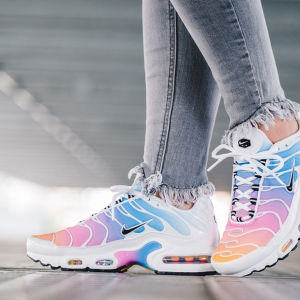 Nike US Nov. Sale, Coupons, Promo Codes & Discounts on Air Max 720, Air Force 1 & More