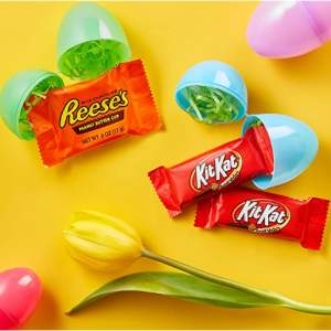 REESE'S and KIT KAT Assorted Milk Chocolate Snack Size Candy, 46.38 Oz (85 Pieces) @ Amazon