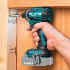 Makita 18-Volt LXT 无绳无刷冲击钻 + 锂电池套装 @ Home Depot