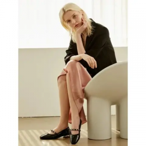 Extra 10% Off FW21 SHOES @ W Concept