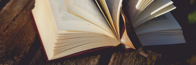 12 Cheapest Places to Buy Second-hand Books, Old Books Online 2021